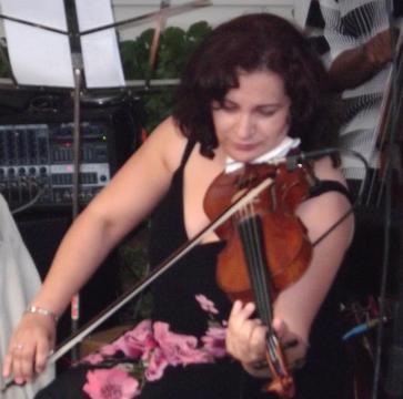 La vie en rose, by Daniela Bisenius with Hot Club du Chicago on OurStage