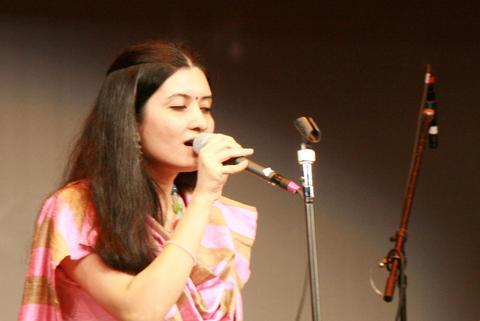 Radhe Cholilo Re, by KROSSWINDZ on OurStage