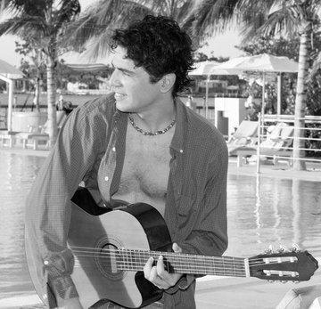 Tu amor por ahi, by Alex Rowinsky on OurStage