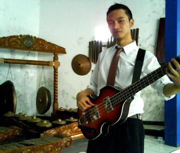 Manuk Dadali, by Hariring on OurStage