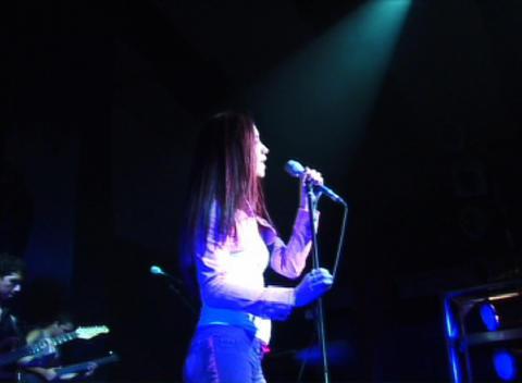 Shery: El Amor es un Fantasma (Live), by Shery on OurStage