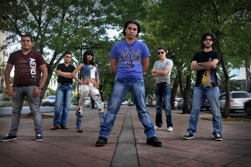 Sigue ahí, by Caffe Latte on OurStage