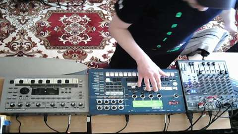 jammin with my analog Sequencer, by Electronic Kratzbaum 303 on OurStage