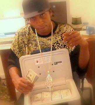 u wonda why dey call me riche, by daricheman on OurStage